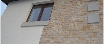 Проверенный фасад с помощью штукатурки короед