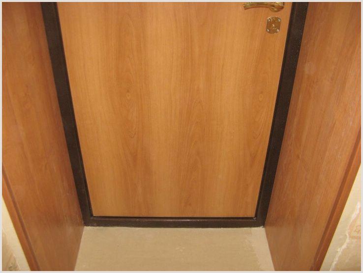 Использование ламината для откоса входных дверей