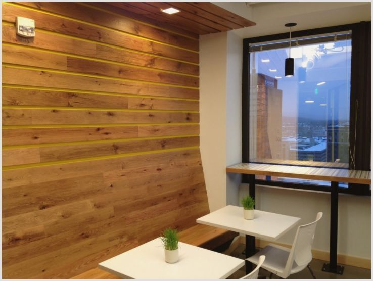 Внутренняя отделка стен при помощи деревянных панелей